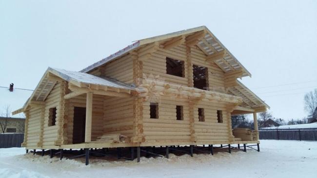 Строительство деревянного дома зимой