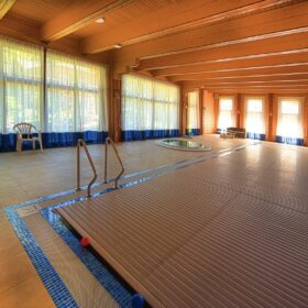 Фото дом с бассейном и спортзалом из клееного бруса