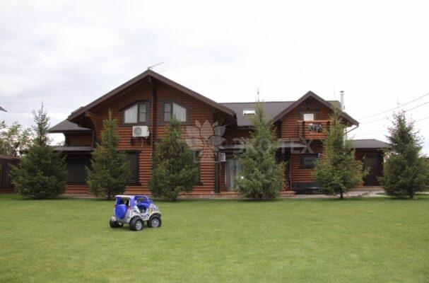 Фото дом из оцилиндрованного бревна
