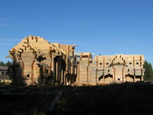 История Эко-тех самый большой в мире дом ручной рубки